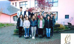 CIBO, EDUCAZIONE E CASE ECOSOSTENIBILI: LA SALUTOGENESI PORTATA IN CONVEGNO dai ragazzi della scuola Steiner di Zoppè